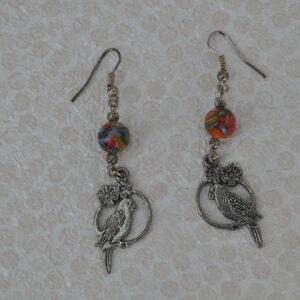 Boucles d'oreilles perroquet perles multicolores, Réf. 231