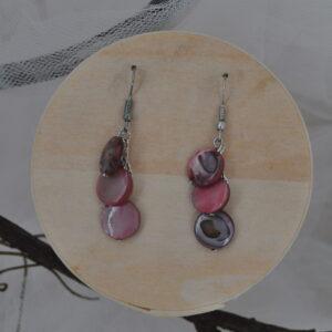 Boucles d'oreilles cascade de rose nacré, Réf. 234