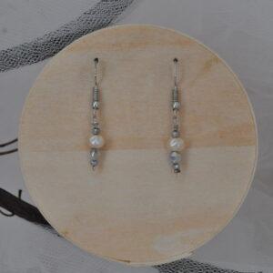 Boucles d'oreilles perles blanc nacré, Réf. 236