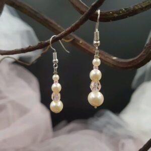 Boucles d'oreilles pour la mariée et son cortège, dans les tons blanc cassé et rose, Réf. 129