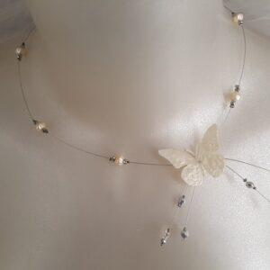 Collier pour les mariées qui ont pour thème les papillons, avec papillon et perles, blanc cassé, Réf. 98