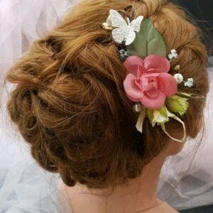 Peigne mariage champêtre, fleurs roses et papillon. Réf 132